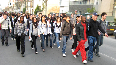 Manifestation lycéenne à Nogent sur Marne 11 avril 2008 © Nogent citoyen