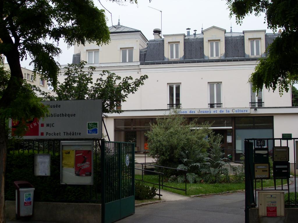 Espace Gallieni à Nogent (c)nogent-citoyen.com 2008