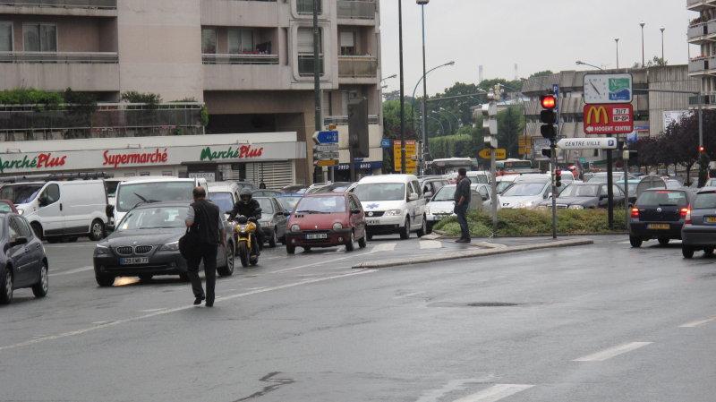 Circulation dense dès 17 heures place Leclerc