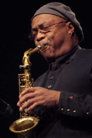 - Trio-3-Olivier-Lake-Saxophone