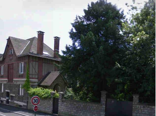 Un espace vert et un immeuble au 2 bis rue jacques kabl for Espace vert 2000