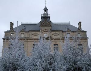 La mairie du Perreux sur Marne en hiver