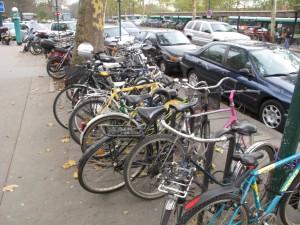 Les vélos envahissent Vincennes pendant la grève du RER A